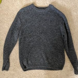 Thick, warm gray sweater (Men's)